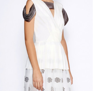White pleated dress small - 2