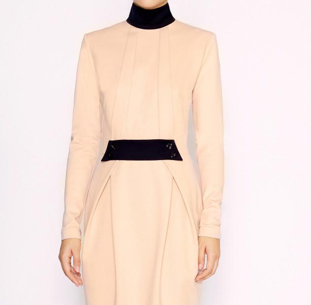 Dress with black collar - 2