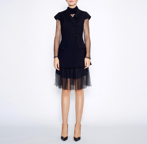 Pleated skirt with chain - 4